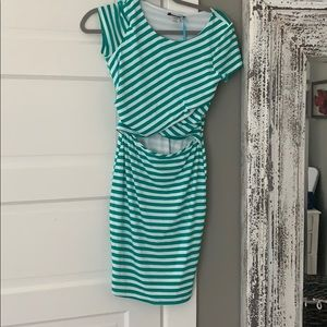 Dresses & Skirts - NWT Mid section cut out short sleeved dress